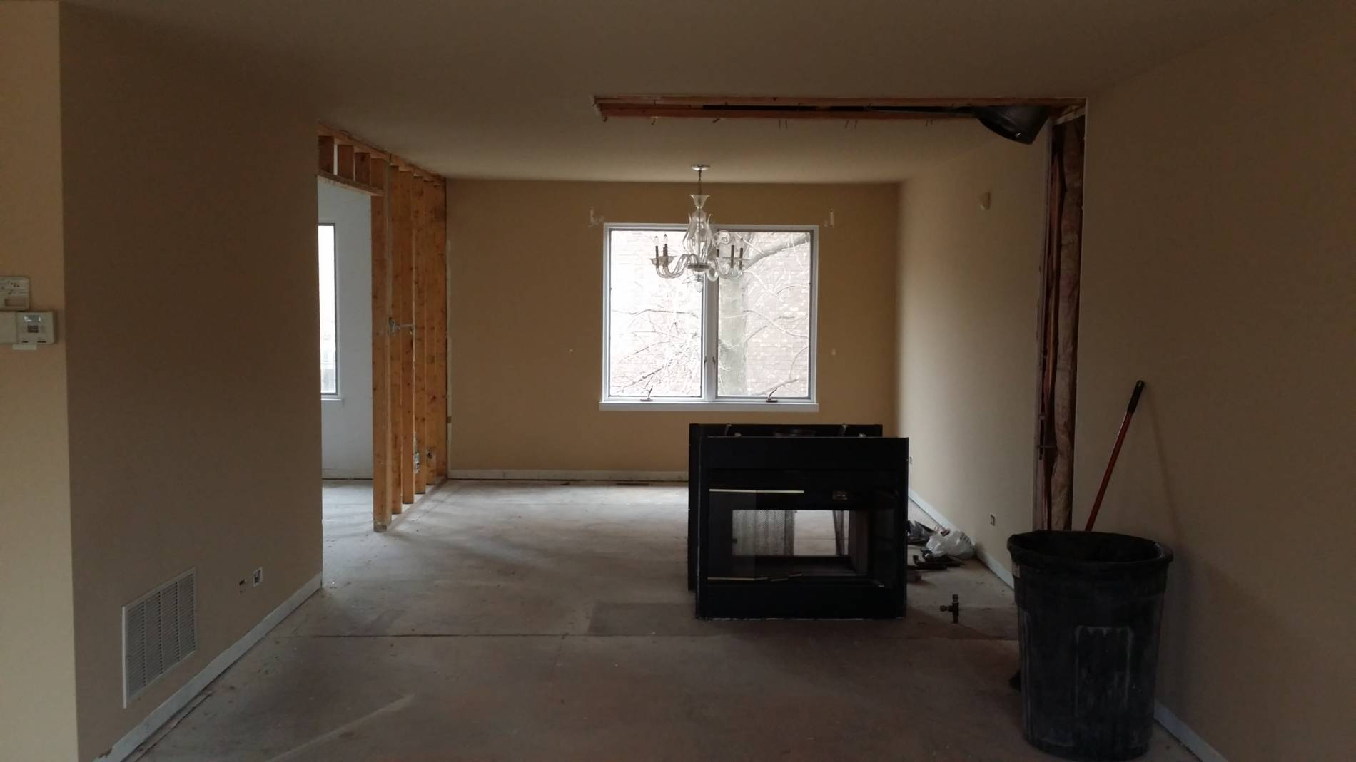 1-23-17 8109 S Indiana Dining Room Before