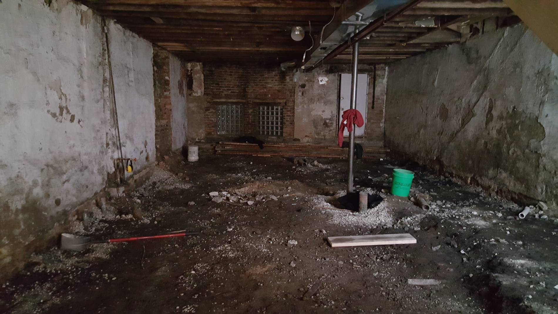 2017-01-31_4010 S Ellis Basement dig out