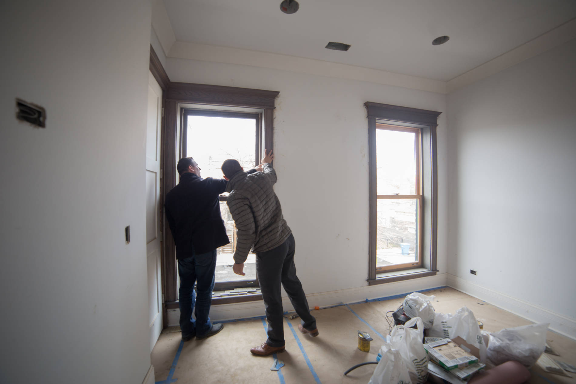 3-20-17 822 E 42nd St Paint Rear bedroom selection